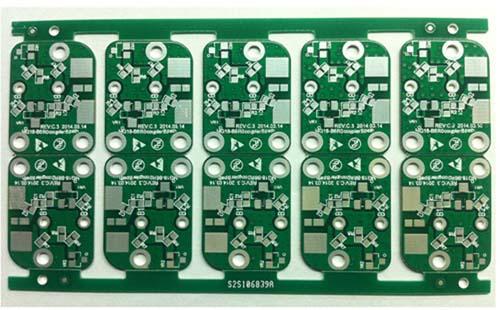 使用无铅技术的电路板