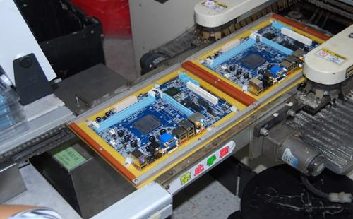 电路板进行回流焊工艺